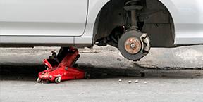 Prevenga el robo de llantas en estacionamientos