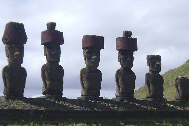 Senderos en Rapa Nui