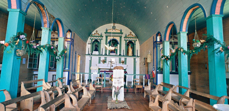 Siguiendo la ruta patrimonial de las iglesias en Chiloé